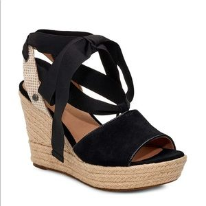UGG Shiloh Wedge Sandal !! New!! Sz. 11